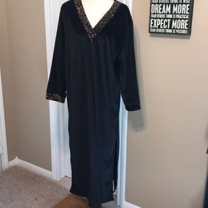 Natori Private Luxuries Velour Nightgown Large ♥️